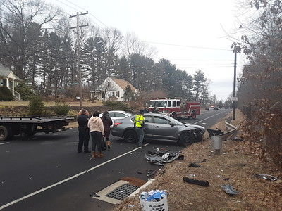 minor-injuries-reported-in-twocar-accident-on-corbin-avenue