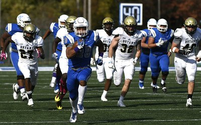 ccsu-football-claims-first-nec-title-since-2010-after-comefrombehind-win-against-duquesne