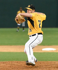 after-two-starts-with-new-britain-bees-casey-coleman-signs-with-the-houston-astros-heads-to-triplea