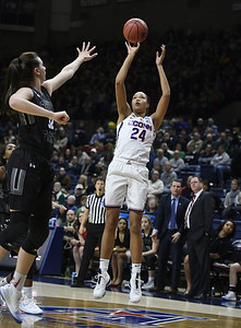 assists-have-become-key-part-of-colliers-game-for-uconn-womens-basketball