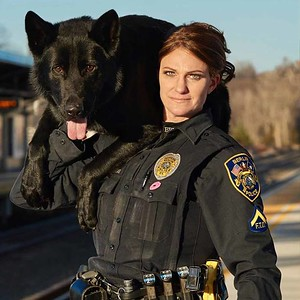 berlin-police-officer-and-k9-partner-win-honorable-mention-in-photo-contest