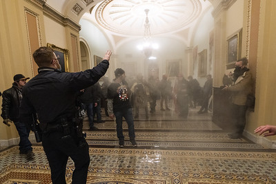 murphy-blumenthal-larson-describe-moment-rioters-stormed-into-us-capitol
