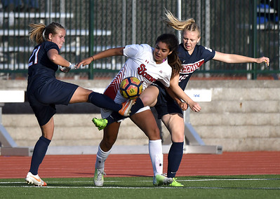 elmores-two-goals-lift-uconn-womens-soccer-over-ccsu