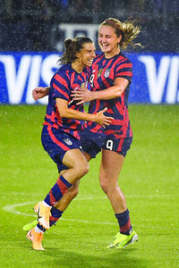 tobin-heath-scores-pictureperfect-goal-against-mexico-in-uswnt-return
