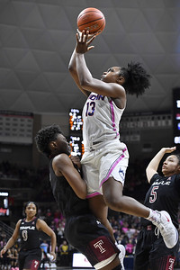 uconn-womens-basketball-gets-lift-when-williams-is-able-to-score-points