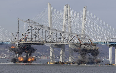 crowd-cheers-demolition-of-tappan-zee-bridge