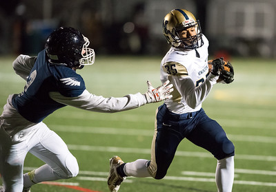 newington-football-snaps-fouryear-skid-against-wethersfield-to-reclaim-rivalry-trophy