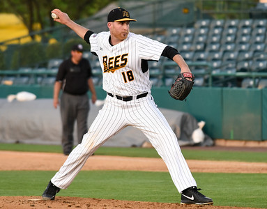 simon-rosa-lead-new-britain-bees-to-victory-over-southern-maryland-blue-crabs