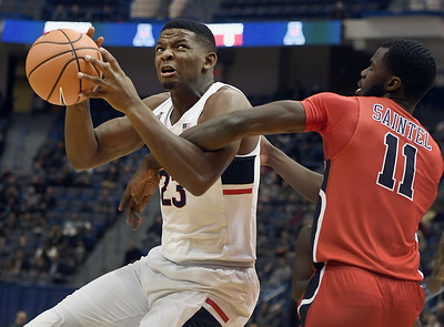 ollie-suspends-cobb-indefinitely-from-uconn-mens-basketball-after-ingame-incident