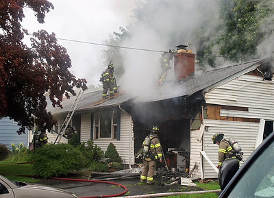 officials-newington-garage-fire-results-in-minor-damage