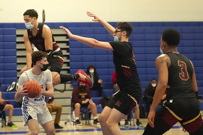 new-britain-boys-basketball-playing-better-with-replenished-roster