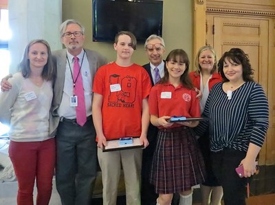 two-from-new-britains-sacred-heart-school-are-tops-in-eesmarts-contest