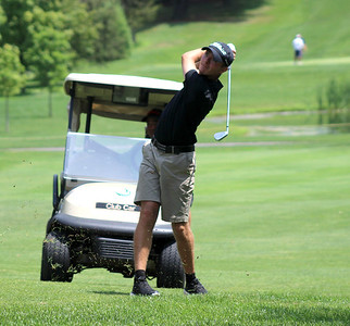 looking-to-defend-his-title-newingtons-tim-welles-tied-for-lead-after-first-round-of-herald-city-championship