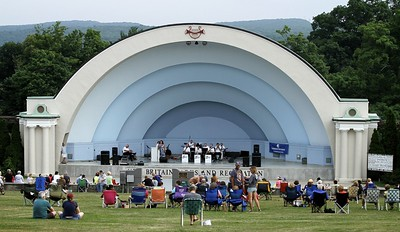 classic-rock-band-kicks-off-nb-summer-music-festival-monday