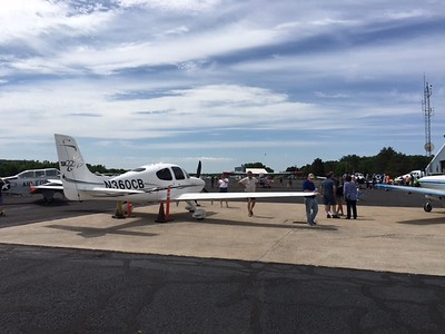 planes-cars-a-hit-at-7th-annual-plainville-wings-and-wheels