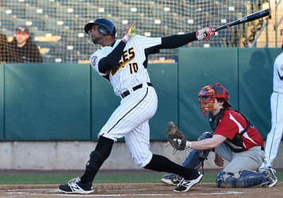 new-britain-bees-snap-eightgame-skid-with-extrainnings-win-over-sugar-land