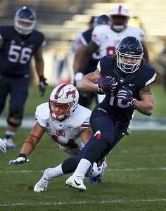 uconn-football-running-back-scott-out-for-rest-of-season-with-knee-injury