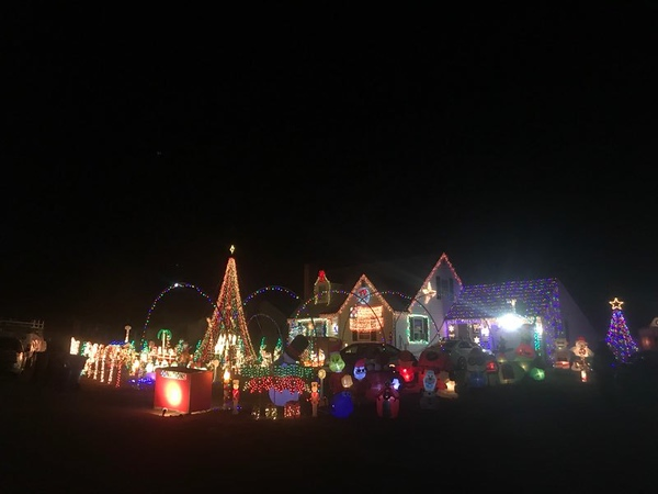 New Britain Herald - Plainville man hosts Christmas light show to ...