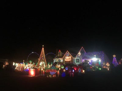 plainville-man-hosts-christmas-light-show-to-benefit-needy