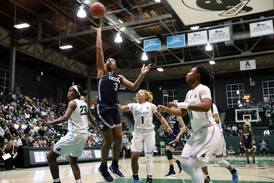 walker-leads-no-2-uconn-womens-hoops-to-7533-rout-of-tulane