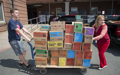 its-mission-accomplished-for-vets-in-delivery-of-girl-scout-cookies