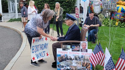 dozens-of-vehicles-drive-by-to-celebrate-98th-birthday-of-retired-lt-col-wwii-pilot-from-southington