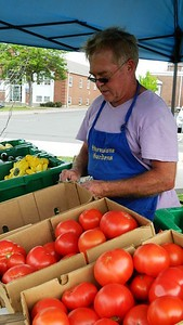 olive-oil-pies-organic-fruits-and-vegetables-its-all-at-the-newington-farmers-market