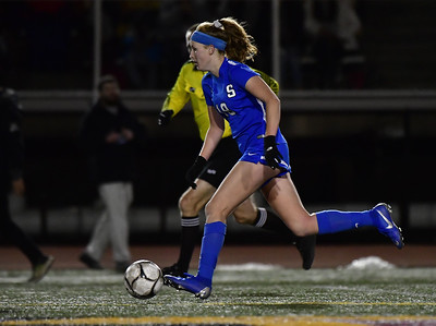 pair-of-local-girls-soccer-athletes-named-to-allnew-england-team