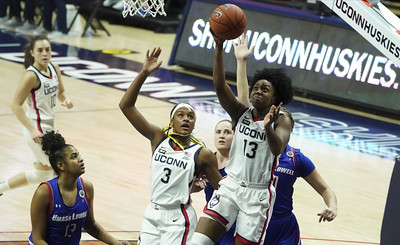 uconn-womens-basketballs-williams-rebounds-from-tough-season-opener