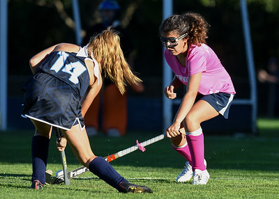 newington-field-hockey-working-through-inexperience