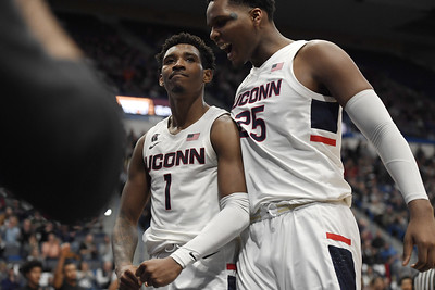 vital-at-his-best-in-hartford-farewell-for-uconn-mens-basketball