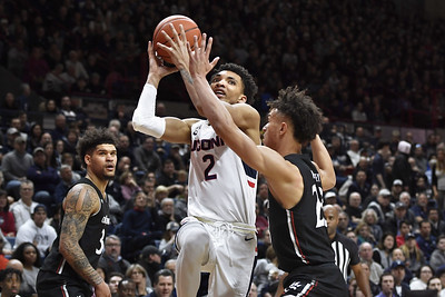 led-by-bouknight-uconn-mens-basketball-upsets-cincinnati-in-overtime-contest