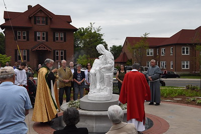 st-paul-church-in-berlin-unveils-statue-of-mary