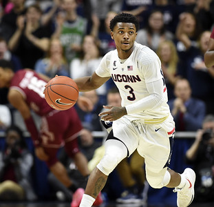 uconn-mens-basketballs-gilbert-out-for-aac-tournament-due-to-injury