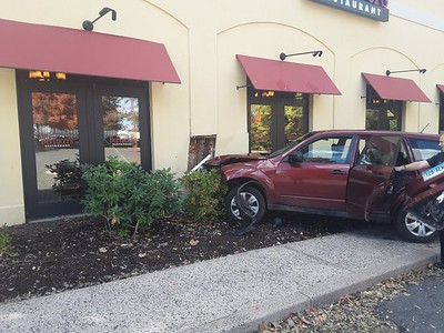 suv-crashes-into-side-of-bertuccis-on-berlin-turnpike