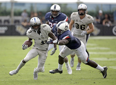 uconn-football-unable-to-keep-up-with-highpowered-ucf-offense