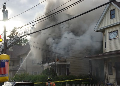 fire-damages-2-houses-on-wallace-street-in-new-britain