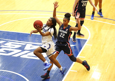 uconn-womens-basketballs-westbrook-winning-over-auriemma-with-defensive-play