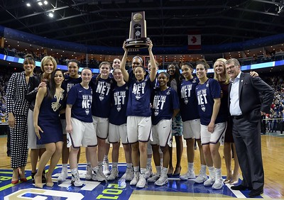 uconn-womens-basketball-cruises-into-10th-straight-final-four-with-rout-of-oregon