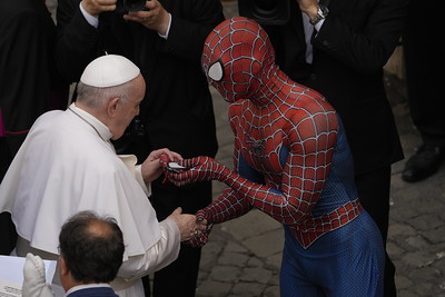 pope-greets-spider-man-who-gives-him-a-mask