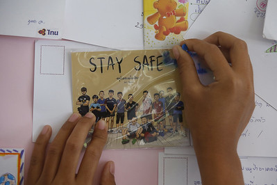 jubilation-as-four-more-boys-rescued-from-flooded-thai-cave