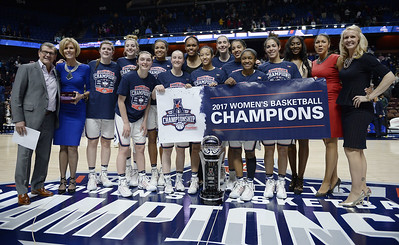 uconn-womens-basketball-is-preseason-favorite-to-win-aac-again