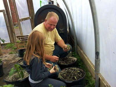 lewis-educational-agriculture-farms-hosting-a-harvest-hoedown