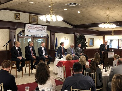 gubernatorial-hopefuls-talk-money-issues-in-southington
