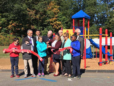 holmes-elementary-playground-project-comes-to-fruition