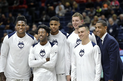 uconn-mens-basketball-ends-season-with-loss-to-smu-in-aac-tournament