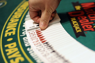 police-dealers-players-cheated-mohegan-sun-casino-out-of-over-100000