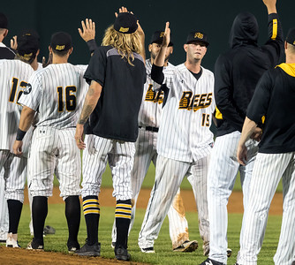 new-britain-bees-top-divisionleading-somerset-patriots-to-earn-third-straight-win