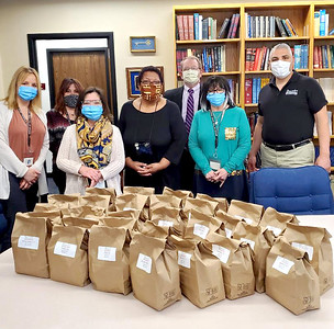 ericksonhansen-funeral-home-delivers-lunch-to-thank-healthcare-workers