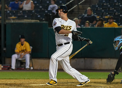 griffin-crouse-home-runs-help-new-britain-bees-snap-sixgame-losing-streak-with-win-over-sugar-land